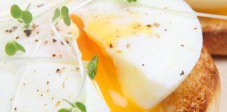 Uova in camicia: ricetta, trucchi e consigli pratici   TuttoSulleGalline.it