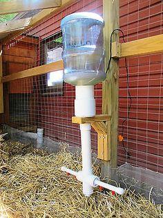 Abbeveratoio per galline goccia a goccia con boiler per acqua