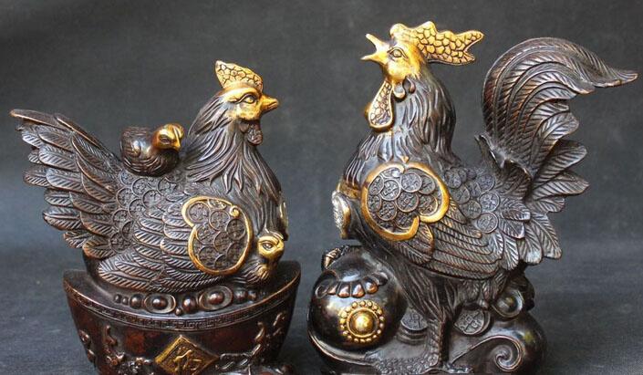 Gallo e gallina in bronzo porta fortuna | TuttoSulleGalline.it