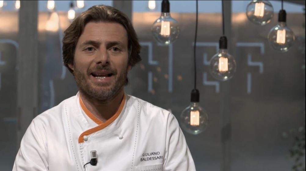 Lo chef del ristorante stellato Aqua Crua, Giuliano Baldessari