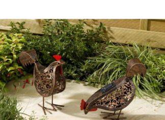 Accessori da giardino e oggettistica da esterno a forma di gallina e gallo | Tuttosullegalline.it