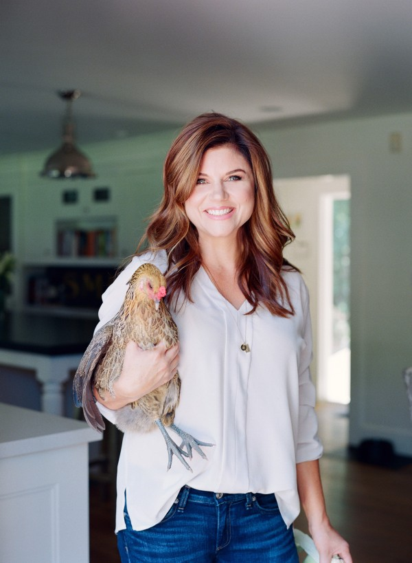 Tiffani Thiessen con la sua gallina