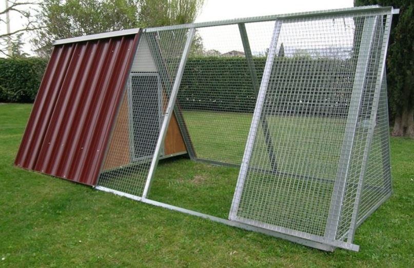 Pollai prefabbricati a casetta triangolare ferranti 100 - Recinto mobile per cani ...