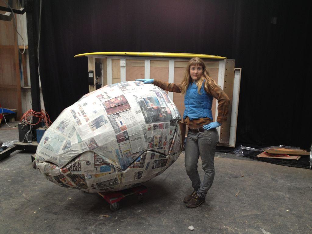 Uovo di Pasqua di carta in formato gigante