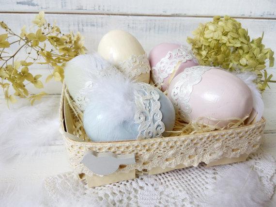 Cestino regalo di uova di Pasqua