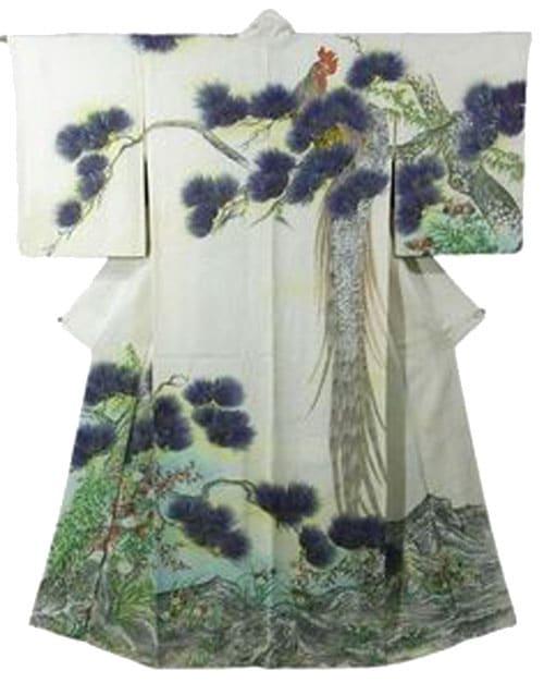 Kimono giapponese tradizionale raffigurante un esemplare di Onagadori
