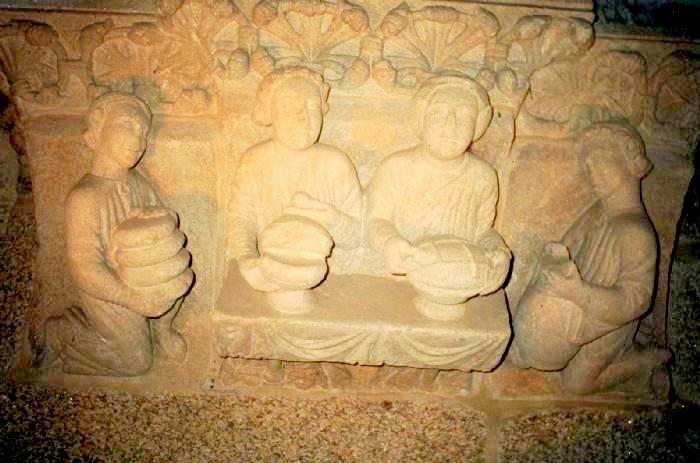 Le origini della Empanada Gallega (Pórtico de La Gloria nel Palacio de Gelmírez - XI secolo)