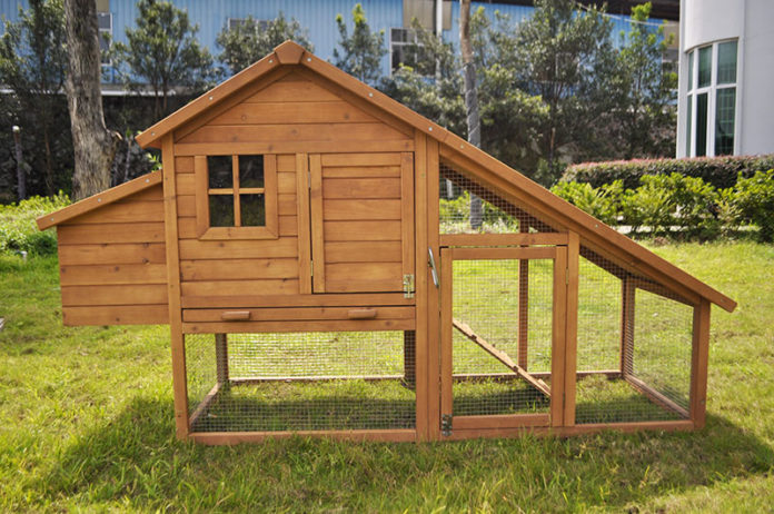 Pollai in legno e casette per galline shop online for Pollaio fai da te