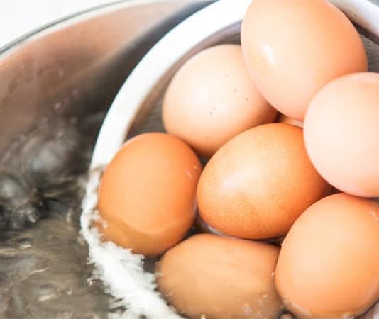 L'uovo bollito perfetto (nelle sue 3 varianti): alla coque, bazzotto e sodo   Tuttosullegalline.it