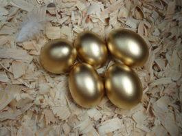 La gallina dalle uova d'oro - La favola di Esopo | TuttoSulleGalline.it