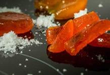Tuorlo d'uovo marinato dello Chef Carlo Cracco | TuttoSulleGalline.it
