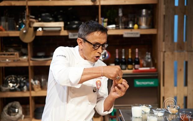 Lo chef Bruno Barbieri e la ricetta delle uova in cocotte