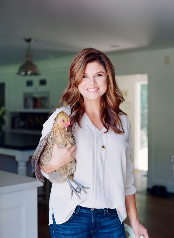 Tiffani Thiessen con la sua gallina