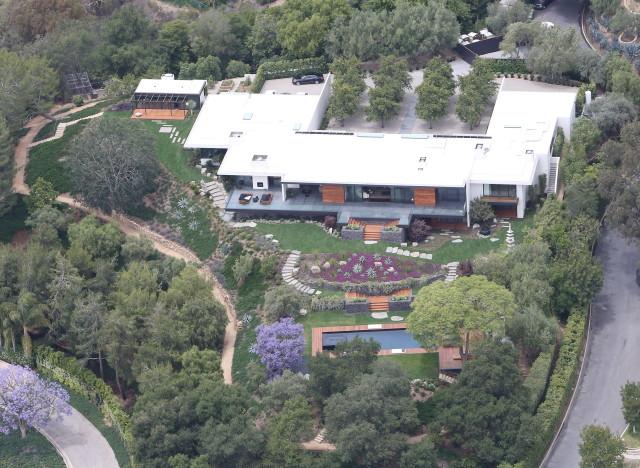 Jennifer Aniston e il pollaio accanto alla sua villa