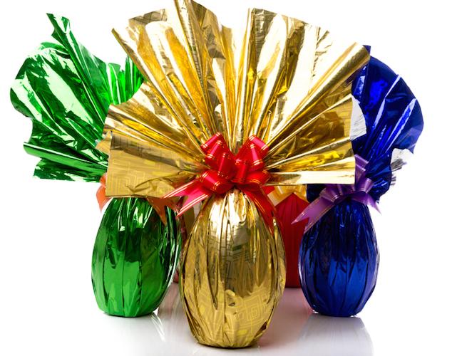 L'incartamento tradizionale delle Uova di Pasqua commerciali