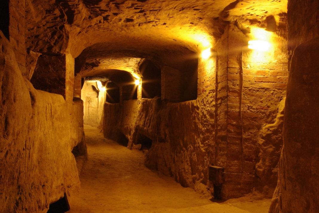 Il sistema idrico etrusco sotto la città di Chiusi scambiato erroneamente a suo tempo per il labirinto del mausoleo di Porsenna