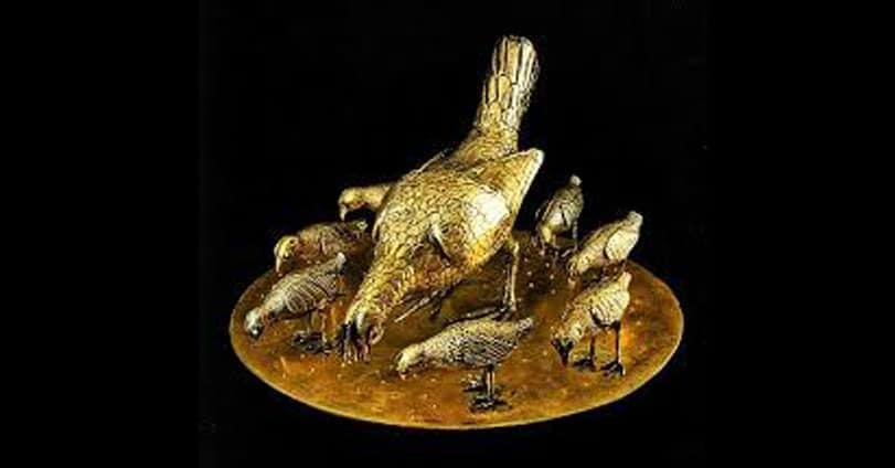Chioccia con i sette pulcini d'oro - Tesoro di Monza della regina Teodolinda