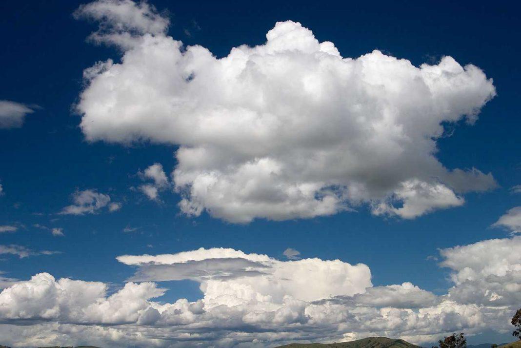 Cielo con nuvole a cumulo