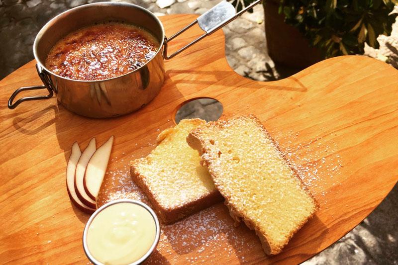 Crème brûlée con torta alla crema inglese, menu Eggs, Roma