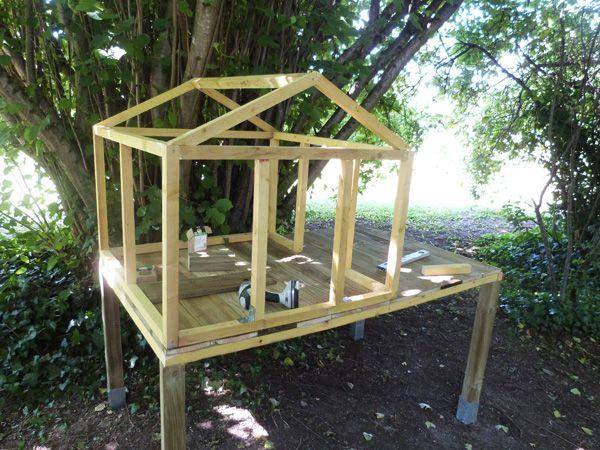 Auto-costruzione di un posatoio-ricovero per galline