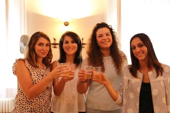 Le quattro inventrici dell'uovo sodo vegano (da sinistra: Arianna Roi, Aurora Gobessi, Francesca Zuccolo e Greta Titton)