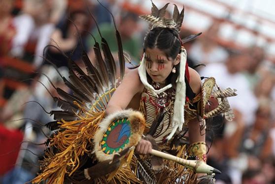 Celebrazione delle tradizioni della popolazione degli Uroni-Wyandotte (Huron-Wendat)