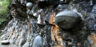 La montagna che depone uova di pietra   Tuttosullegalline.it