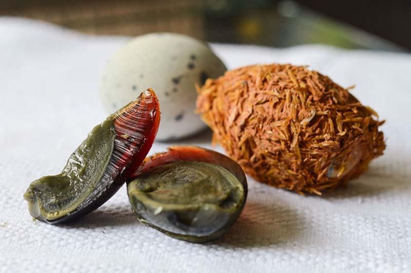L'Uovo Centenario pronto per essere mangiato