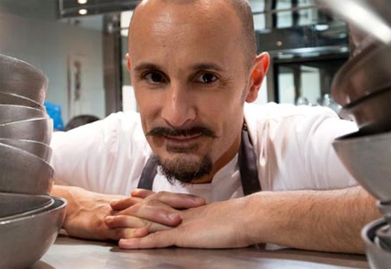 Chef Enrico Crippa e la sua ricetta con uova e tartufo bianco