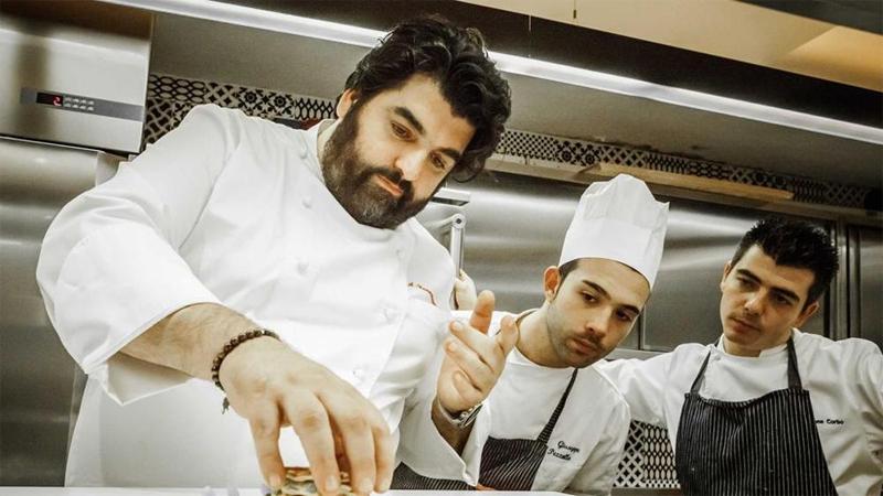 Chef Canavacciuolo e il suo staff