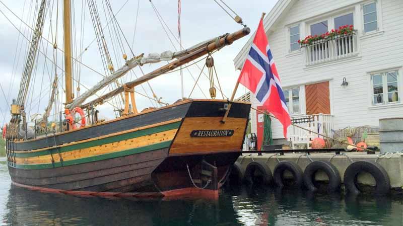 La ricostruzione della sloop Restauration arrivata nel 1825 nel porto di New York dalla Norvegia