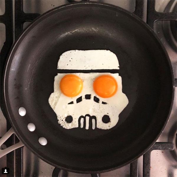 Uova al tegamino a forma di Darth Vader