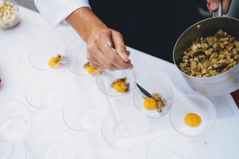 L'uovo di montagna bio nella cena itinerante organizzata da Stelle Nordest a Montegrotto con la partecipazione di 27 chef stellati del triveneto.