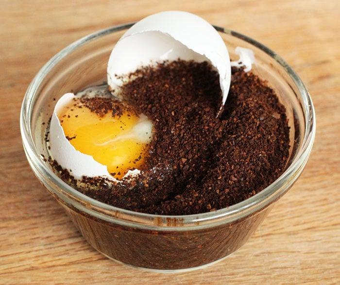 Preparazione dello scandinavian egg coffee