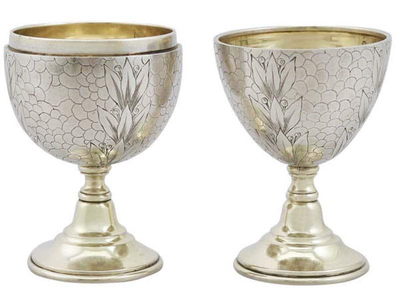 Coppia di portauova impilabili in argento di inizio 1900 (Russia)
