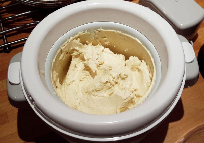 Piccola gelatiera ad accumulo per gelato fai da te