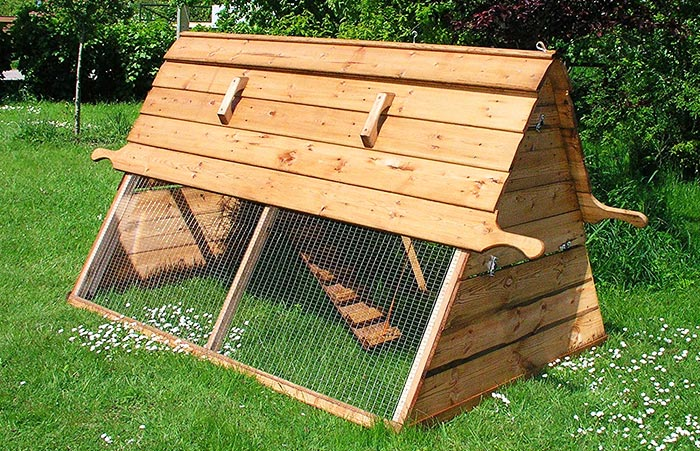 pollaio in legno modello a capanna Boughton