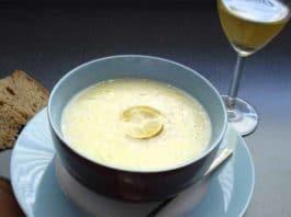 Avgolémono: zuppa greca di uovo, limone e riso (in brodo di verdure) | Tuttosullegalline.it