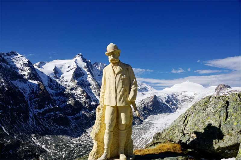 La scultura dedicata a Franz Josef I nel punto panoramico Kaiser-Franz-Josefs Höhe (Parco Nazionale Hohe Tauern - Carinzia)