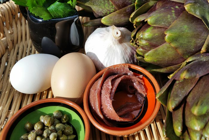 Ingredienti per la preparazione dei Carciofi di Antignano, ricetta con uova di Paolo Ciolli