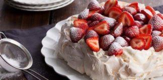 Pavlova, torta fresca ed elegante di soli albumi d'uovo | Tuttosullegalline.it
