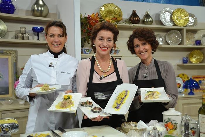 Cristina Galliti (a destra) con l'amica chef Deborah Corsi ospiti di A TUTTO CEFALO ad Aspettando il Tg (Italia7 - 2014).