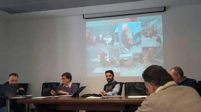 Maurizio Pavone (al centro) durante la convocazione da parte della C.T.C. facente riferimento all'AIA.
