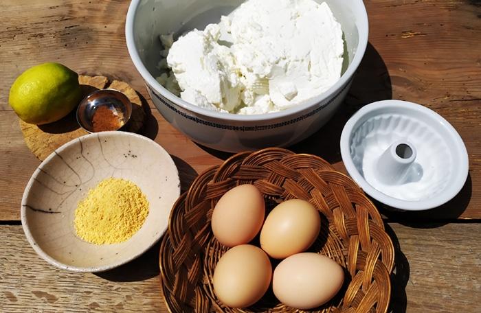 Gli ingredienti per la preparazione del pudding