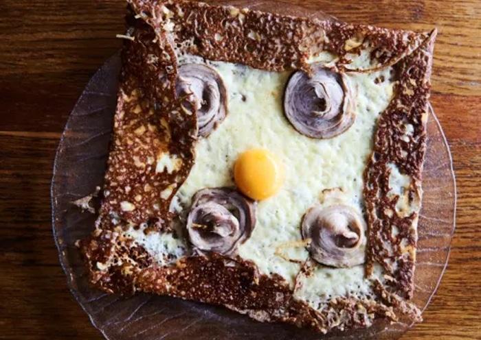 Ricetta tradizionale della Gallete bretonne con l'andouille