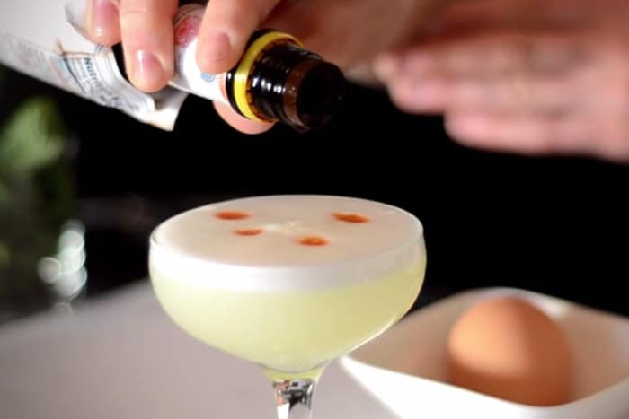 Pisco Sour: cocktail all'uovo (con solo albume)