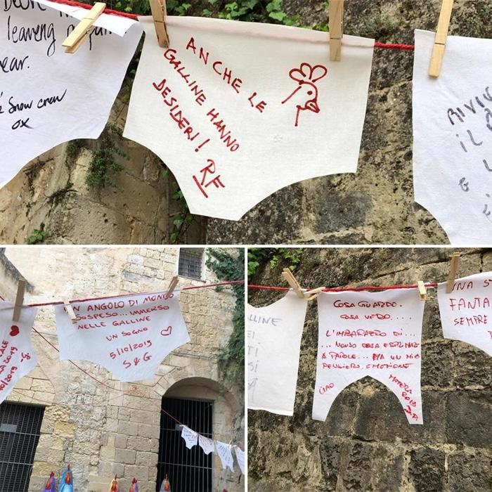Alcuni dei pensieri lasciati dai visitatori dell'installazione